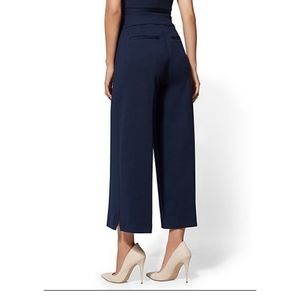 NEW YORK & CO navy stretch cropped work pants
